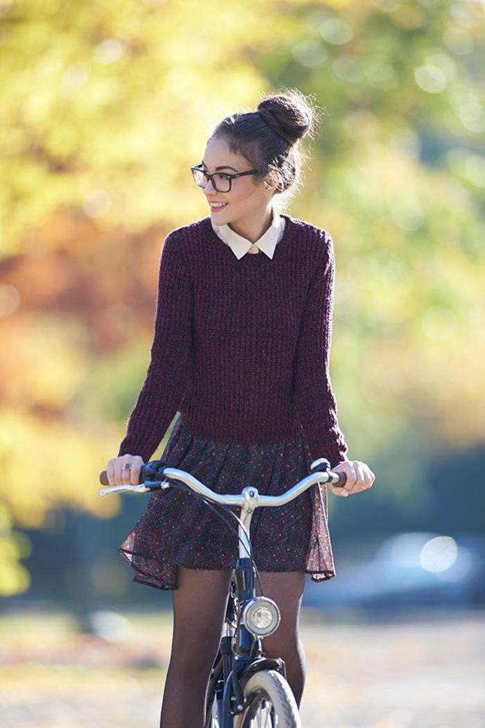 tenue-de-jour-au-lycée-rentrée-scolaire-septembre-2015-femme-ado-bicyclette-resized