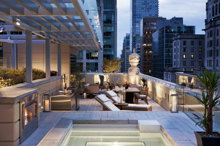un-joli-balcon-dans-new-york-qui-vous-offre-le-plus-beau-paysage-depuis-la-terrasse