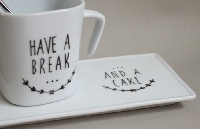un-mug-personnalisable-mug-isotherme-personnalisé-idées-café-et-gateau