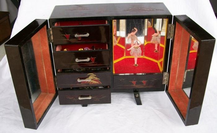 une-boite-à-musique-ancienne-chique-boite-a-bijoux-originale-aziatique-idée-bois-ranger-bijoux-musique-ballerine