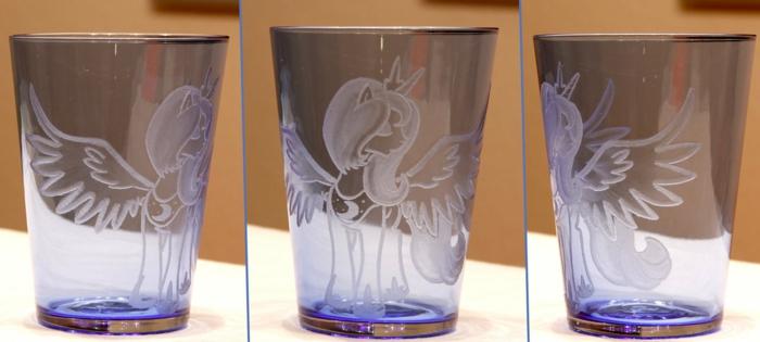 verre-gravé-personnalisé-graveur-verre-idées-originales-little-ponny