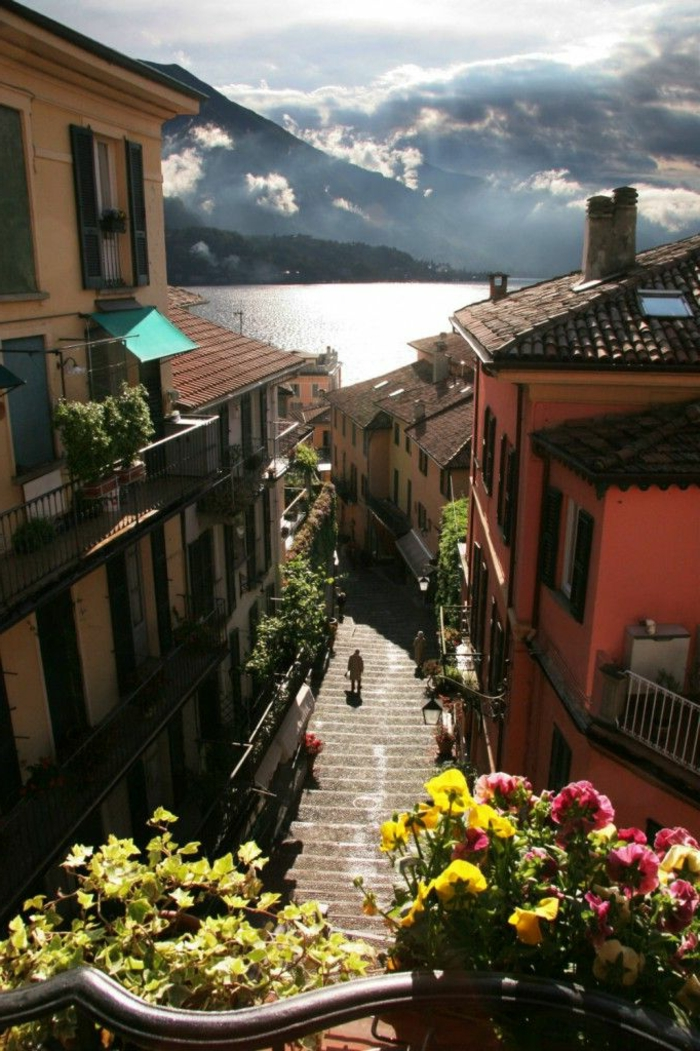 villa-lac-de-come-bellagio-italie-lac-come-italie-bellagio-italie-escaliers-petite-rue
