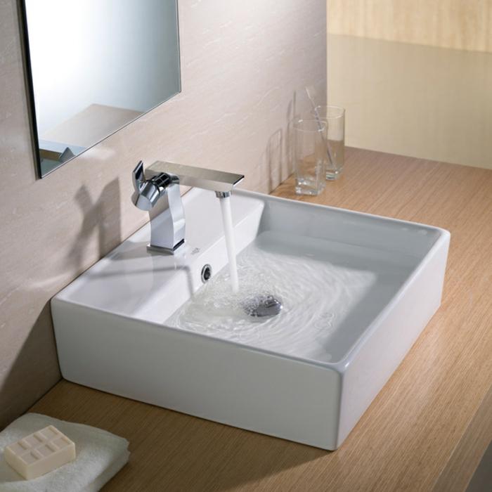 évier-céramique-élégance-pour-la-salle-de-bains