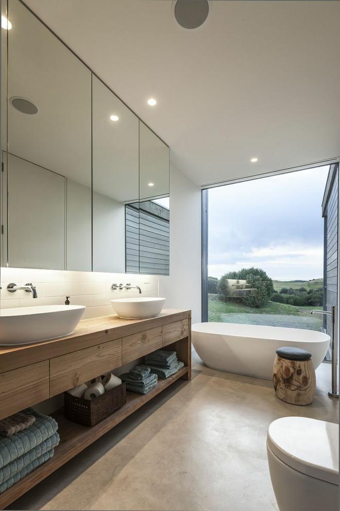 évier-céramique-grande-salle-de-bains-deux-éviers-à-poser-blancs-miroir-sur-tout-le-mur