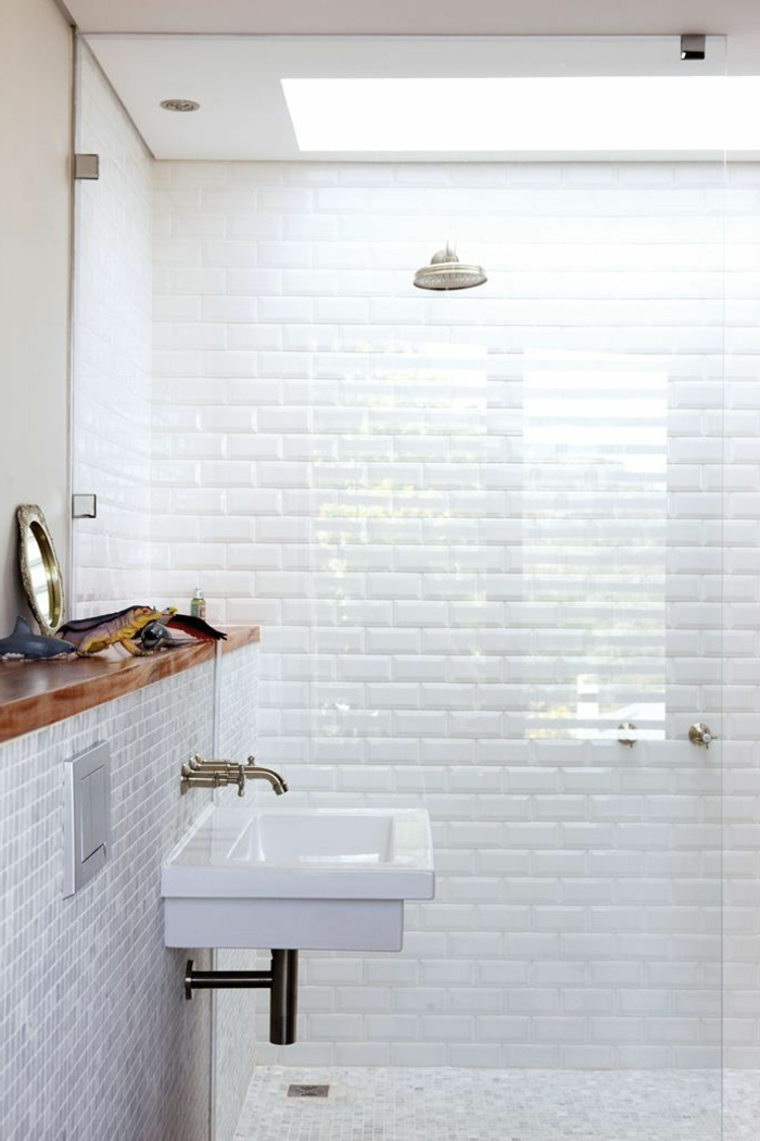D corer la salle de bains avec un vier c ramique - Salle de bain toute blanche ...