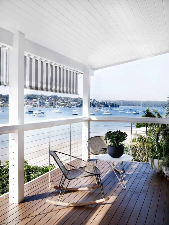 0-balustrade-extérieure-pour-la-maison-de-la-plage-avec-une-vue-vers-la-mer