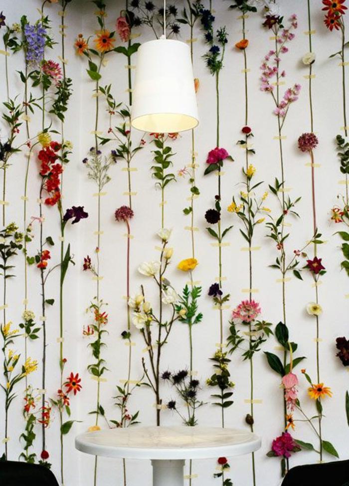 0-decorer-les-murs-du-salon-avec-fleurs-muraux-dans-le-salon-moderne