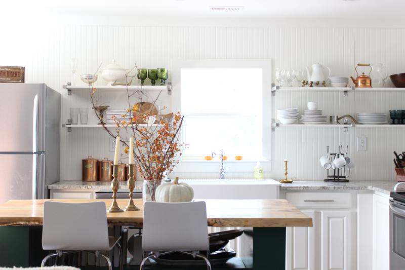 decouvrir la beaute de la petite cuisine ouverte With kitchen cabinets lowes with déco de noel en papier