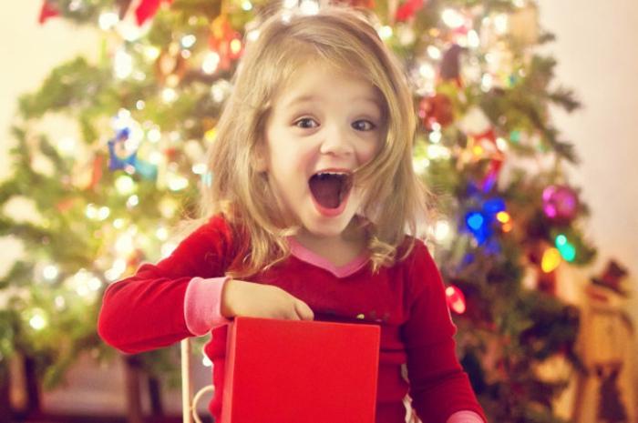 1-Belle-idée-cadeau-original-femme-à-faire-soi-même-bijoux-photo-ramque-belle-ouvrir-le-cadeau