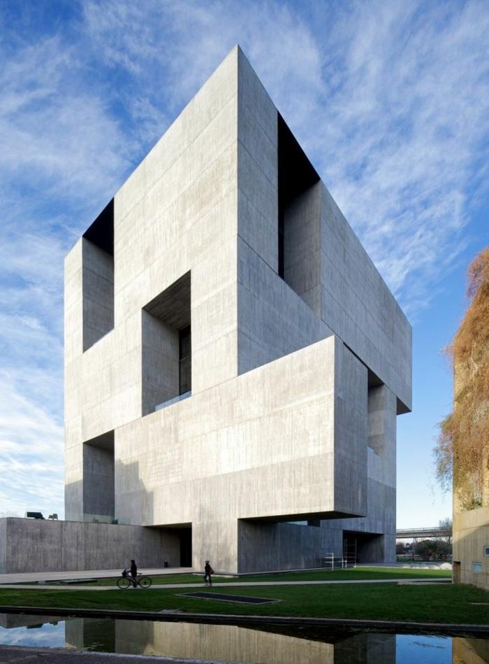 1-adopter-le-style-minimaliste-dans-l-architecture-moderne-une-jolie-batiment-public-de-style-minimaliste