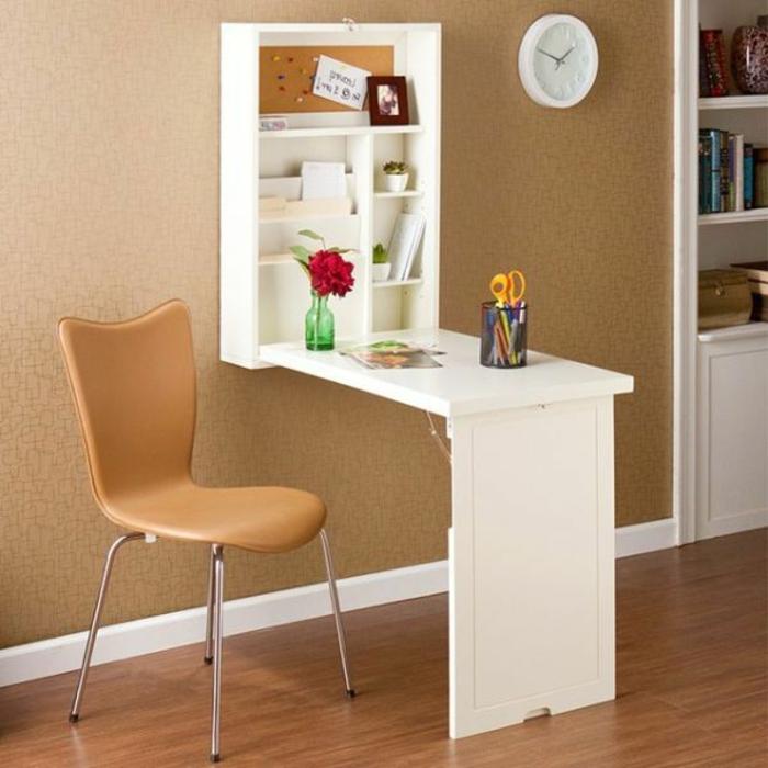 1-astuce-rangement-chambre-avec-un-meuble-gain-de-place-table-en-bois-mural