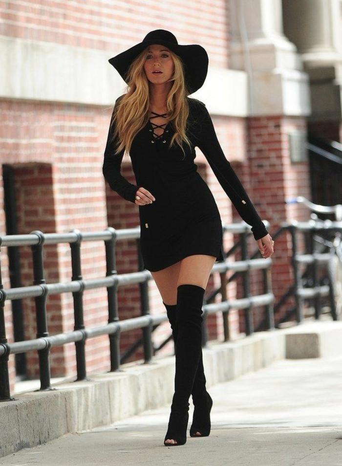 1-bottes-cavalières-noires-pour-les-femmes-modernes-blonds-portées-par-les-stars