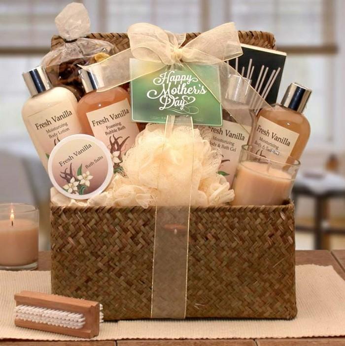 1-cadeaux-belle-mere-cadeau-fête-des-mères-spa-traitement-cadeau-set-basket-picque-nique