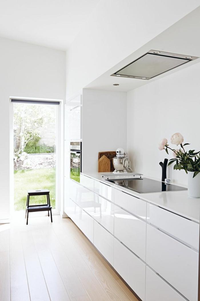 La cuisine laqu e une survivance ou un hit moderne - Cuisine blanche design ...
