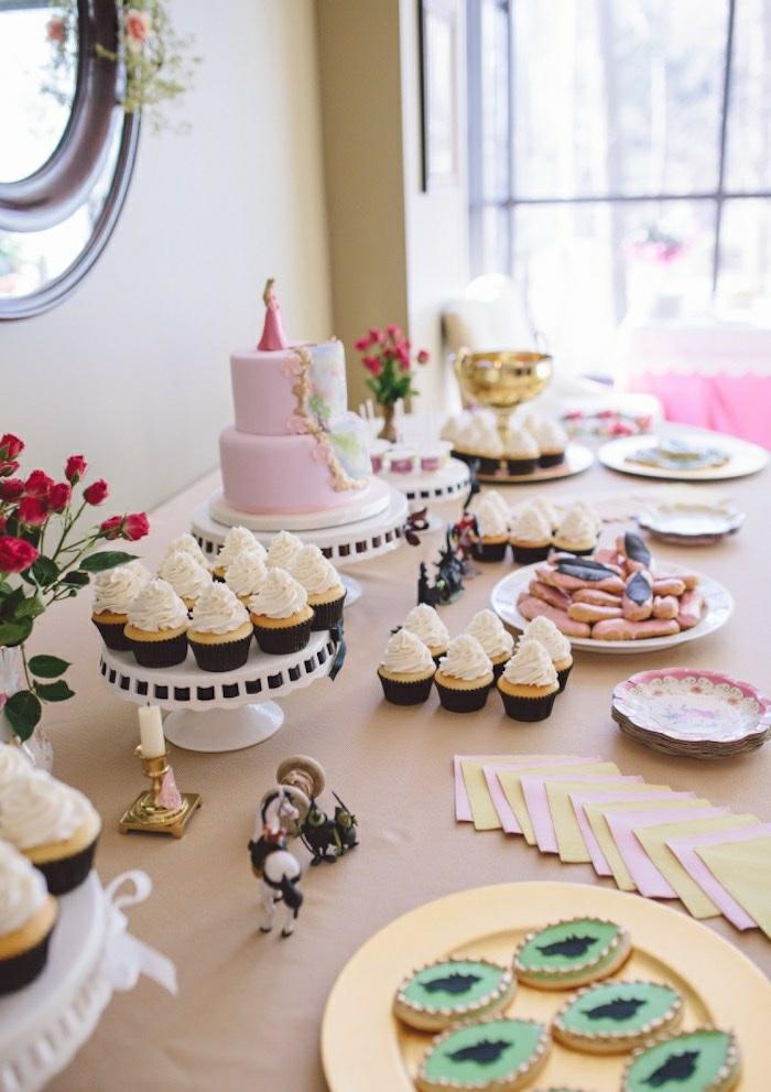 1-déco-à-faire-à-soi-même-gâteau-anniversaire-thème-Disney-Aurore-belle-idée