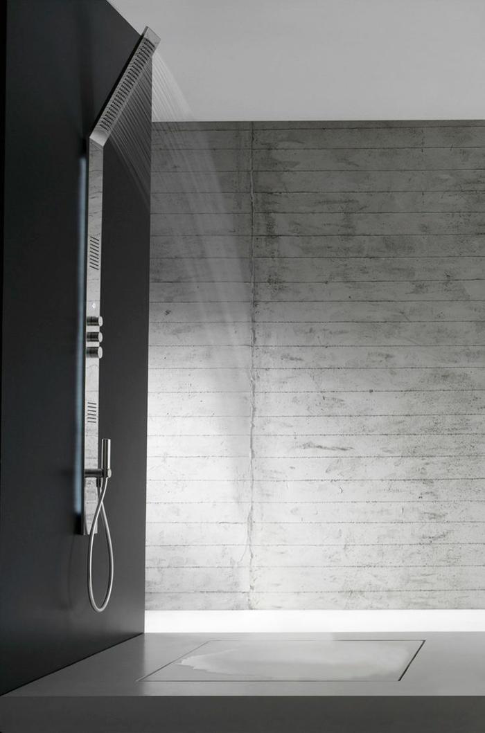 1-elegant-design-de-la-colonne-de-douche-dans-la-salle-de-bain-interieur-gris
