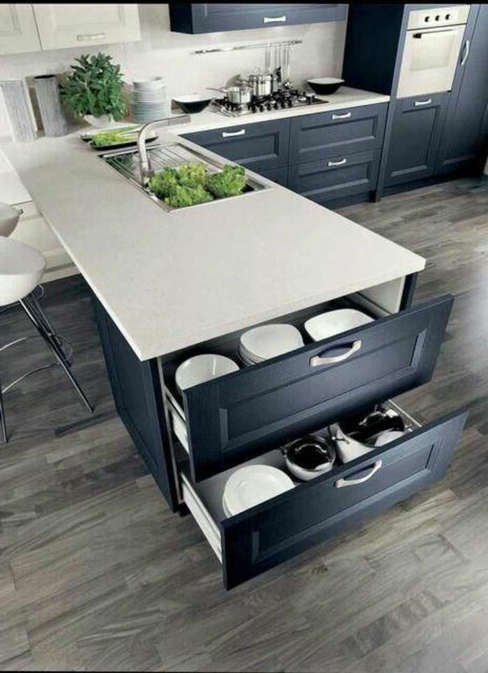 1-feng-shui-cuisine-couleur-gris-meubles-de-couleur-blanc-et-gris-sol-en-parquet-gris