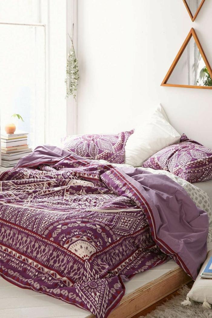 1-housse-de-couette-la-redoute-de-couleur-violet-et-blanc-avec-murs-blancs