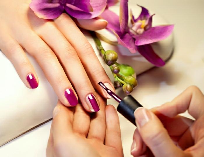 1-idées-quel-vernis-a-ongle-choisir-la-couleur-beauté-aux-mains-resized