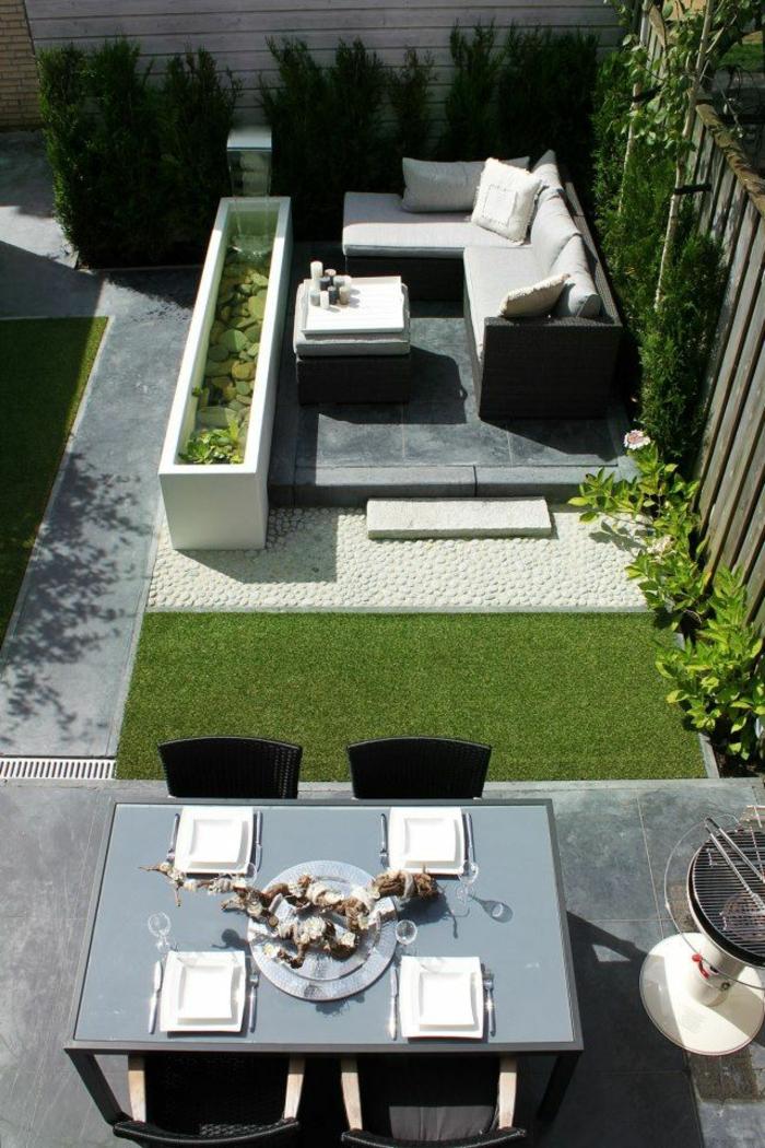 1-idee-deco-jardin-exterieur-avec-meubles-d-extérieur-modernes-pelouse-verte-dans-le-cour