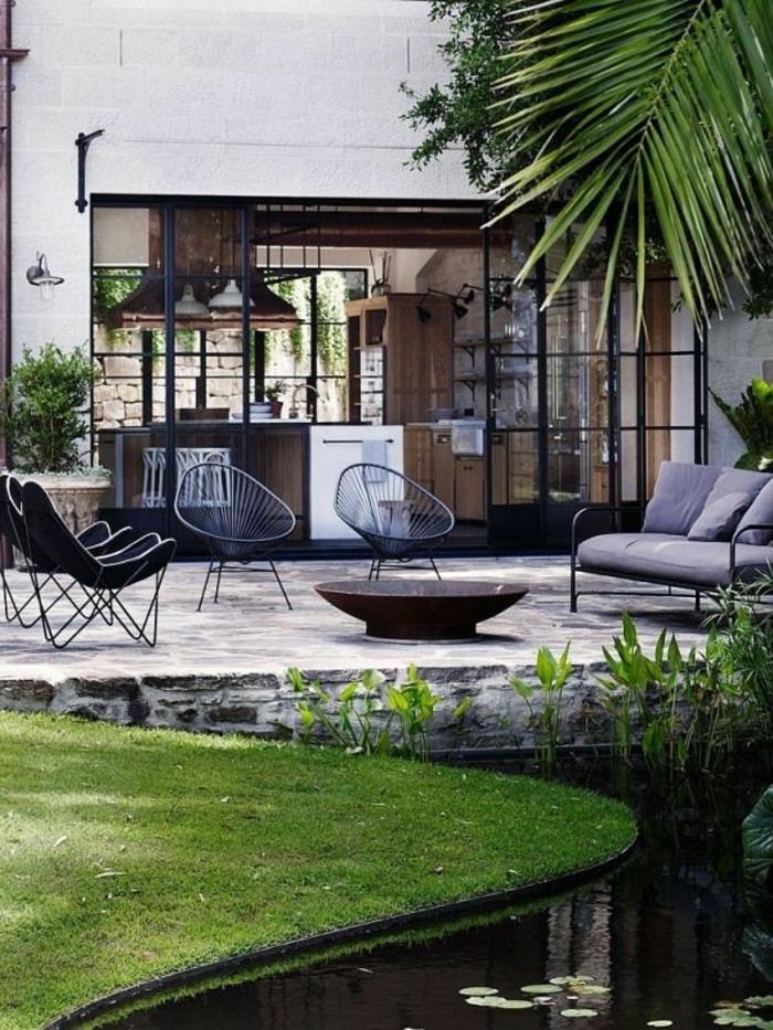 1-idee-deco-jardin-exterieur-avec-meubles-d-exterieur-pas-cher-conforama-pelouse-verte-d-extérieur