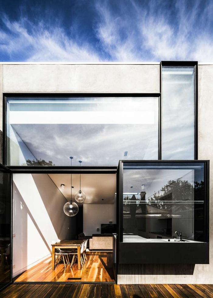 1-jolie-maison-minimaliste-avec-sol-en-planchers-et-murs-en-verre-grandes-fenetres