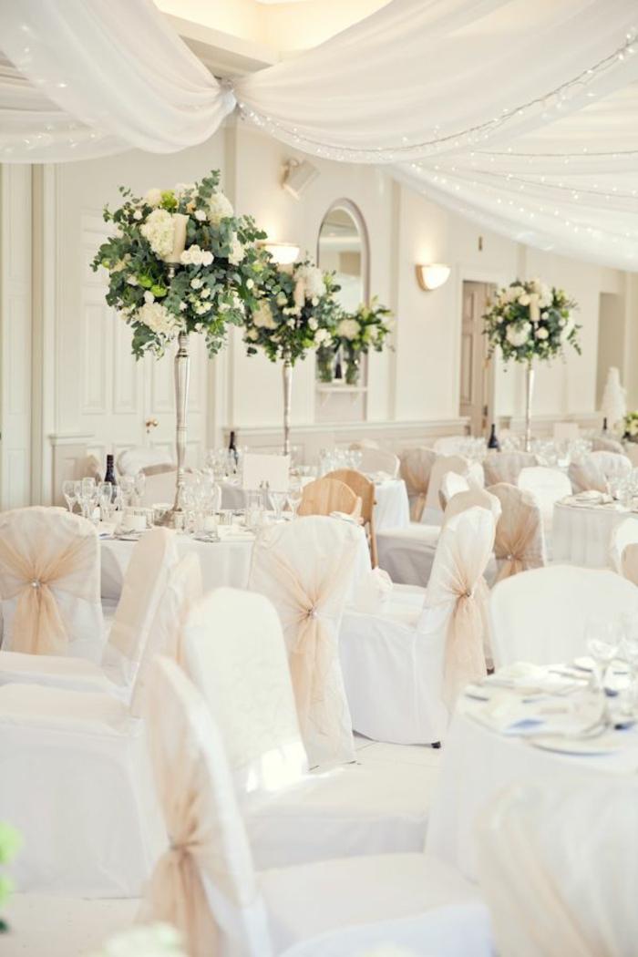1-la-plus-belle-decoration-de-mariage-avec-hausse-de-chaise-pour-mariage-jetable-pas-cher