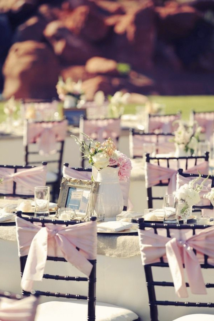 1-la-plus-belle-decoration-mariage-pour-les-chaises-de-mariage-avec-un-ruban-rose