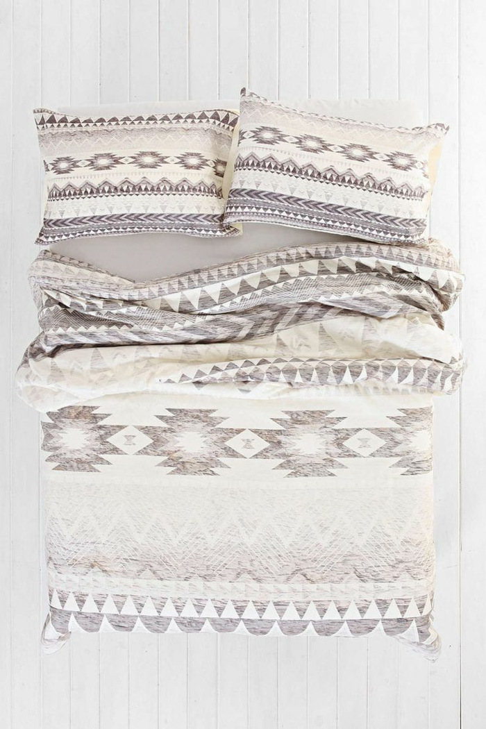 1-les-housses-de-couette-modernes-pour-votre-lit-confortable-et-intérieur-clair