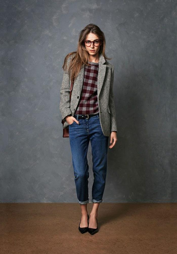 1-manteau-camaieu-gris-femme-avec-denim-mi-long-chaussures-elegantes-cheveux-marrons