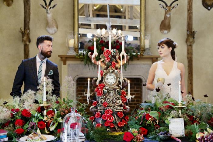 1-mariage-thématique-des-gâteaux-originales-de-mariage-idées-déco-fête-célébrer-avec-La-Belle-et-la-Bête