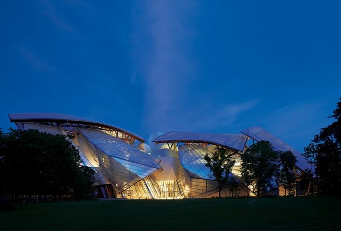 1-musée-louis-vuitton-moderne-architecture-marques de luxe