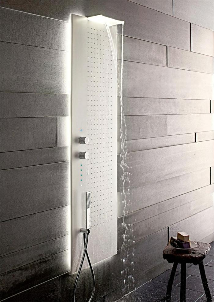 1-quelle-colonne-de-couche-choisir-dans-la-salle-de-bain-colonne-de-douche-hydromassante-murs-gris