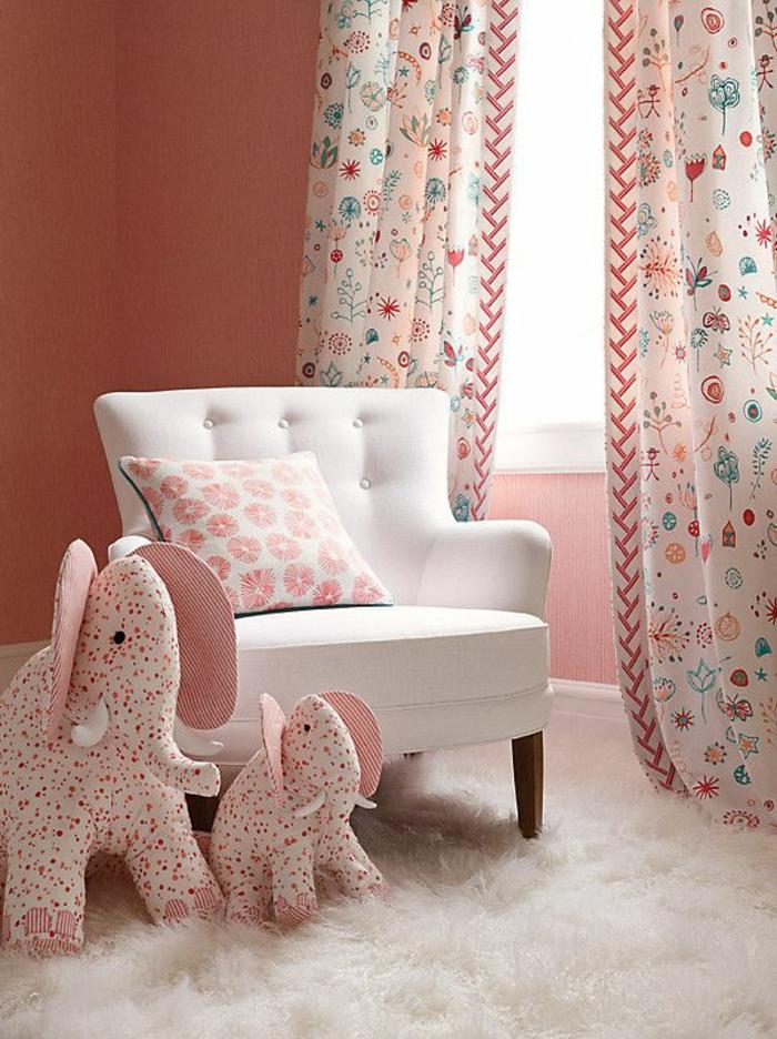 Id es en 50 photos pour choisir les rideaux enfants for Rideau rose chambre fille