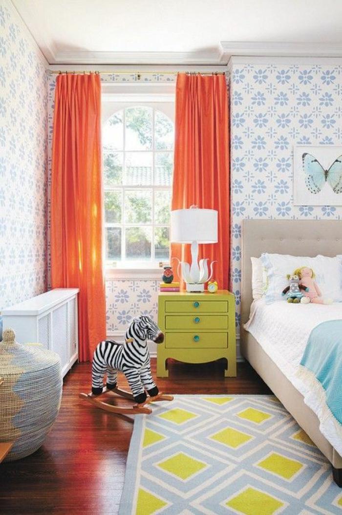 1-rideau-occultant-enfant-orange-dans-la-chambre-d-enfant-avec-rideaux-oranges
