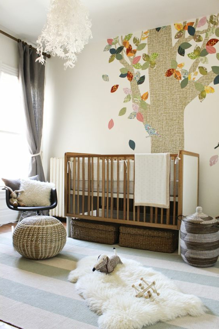 1-rideaux-enfant-de-couleur-gris-pour-la-chambre-d-enfant-bebe-avec-tapis-à-rayures-blanc-bleu