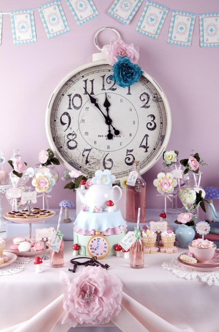 1-rose-party-fille-alice-au-pays-des-merveilles-Disney-déco-anniversaire-fille-princesse-horloge-vintage
