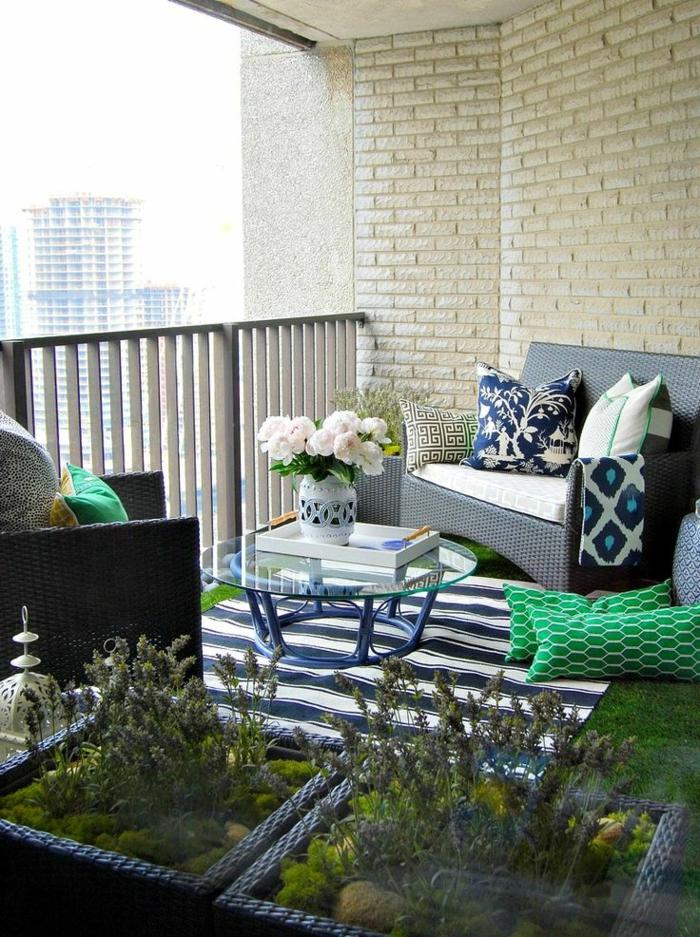 1-tapis-d-extérieur-pour-le-balcon-avec-table-en-verre-transparent-basse-pour-votre-balcon