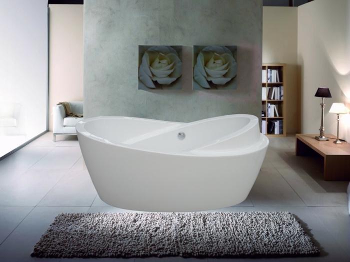 1-un-joli-tapis-gris-pour-la-salle-de-bain-avec-une-baignoire-blanche-et-carrelage