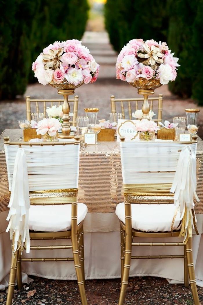 1-une-jolie-et-elegante-decoration-pour-mariage-avec-hausse-de-chaise-pour-mariage-jetable