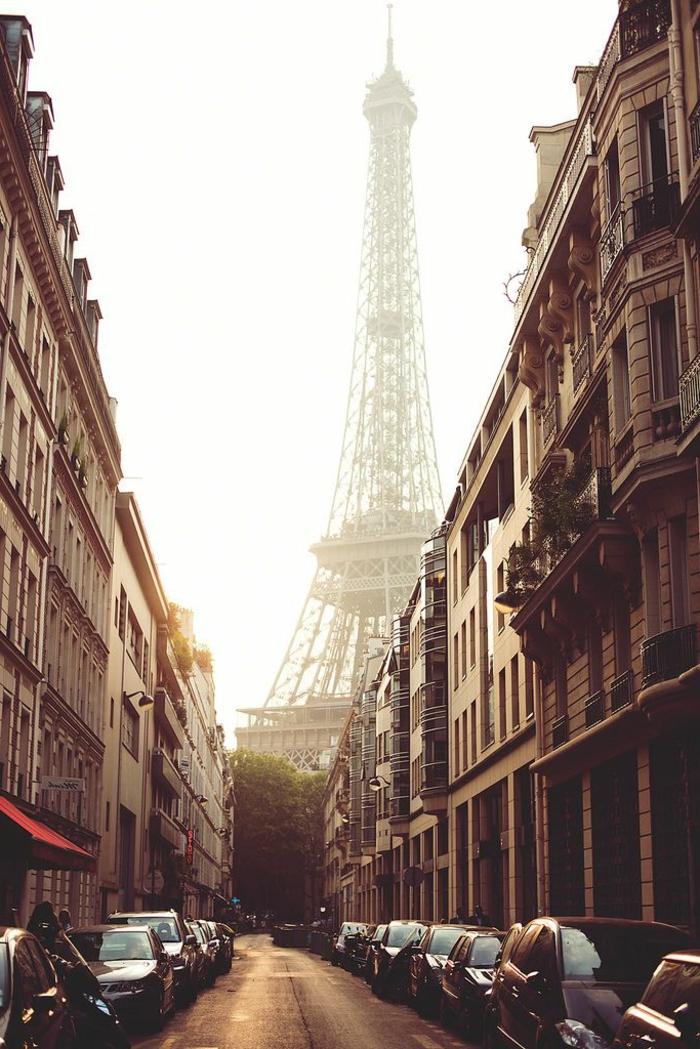 1-visiter-paris-que-voir-à-paris-la-tour-eiffel-la-plus-belle-vue-du-monde-visite-tour-eiffel-