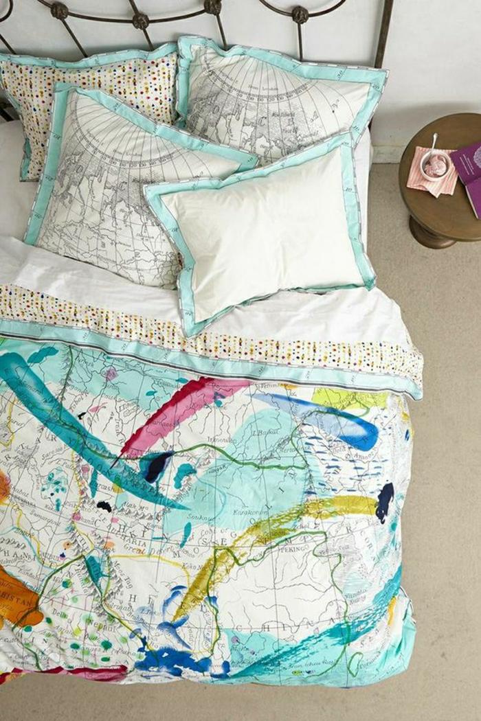 12-la-redoute-housse-de-couette-coloré-rose-et-bleu-avec-housses-de-coussins-blanc-noir