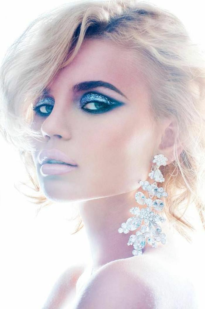 12-maquillage-artistique-professionnel-pour-les-filles-blondes-avec-yeux-bleus