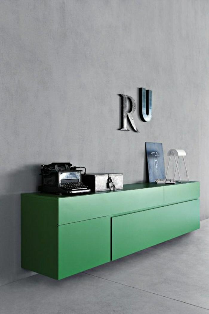 2-bahut-pas-cher-en-bois-laqué-vert-dans-le-salon-avec-intérieur-gris