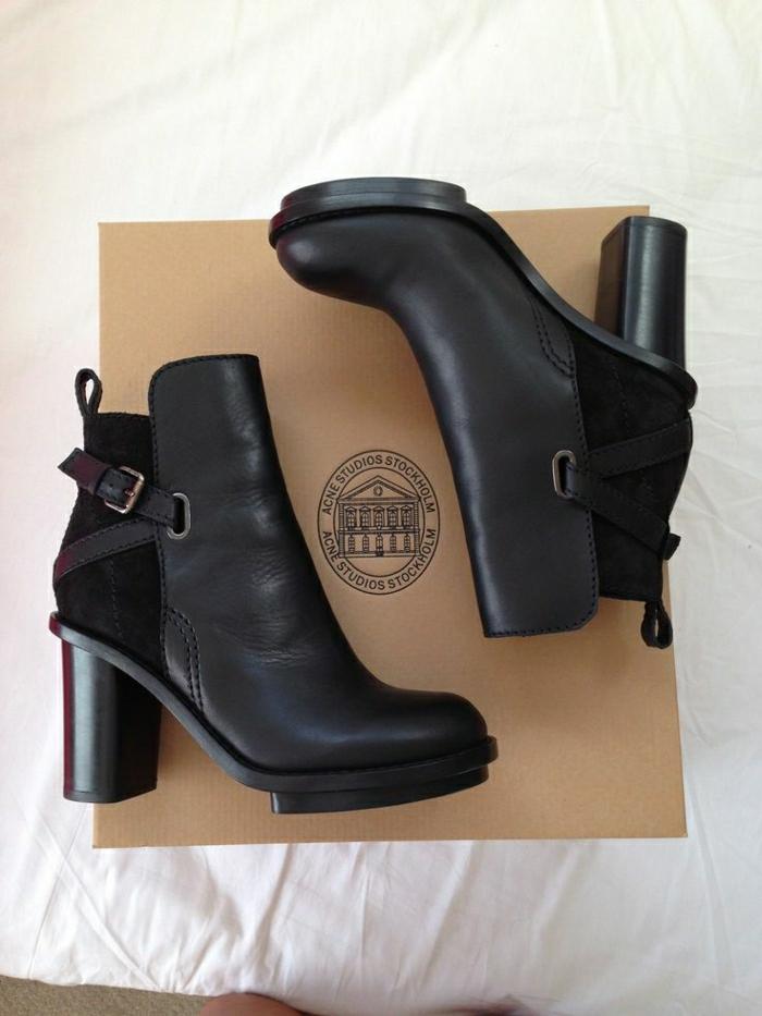 2-bottine-pas-cher-en-cuir-noir-pour-les-femmes-modernes-avec-chaussures-noires-en-cuir