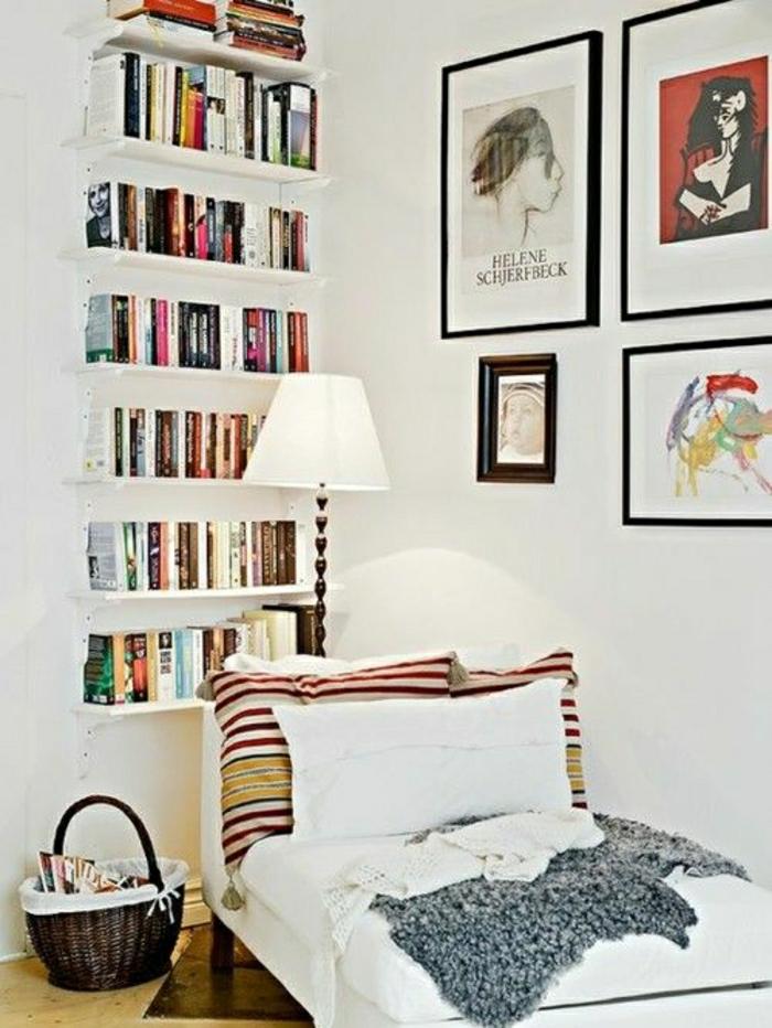 2-fauteuil-club-ikea-de-lecture-dans-le-salon-moderne-avec-livres