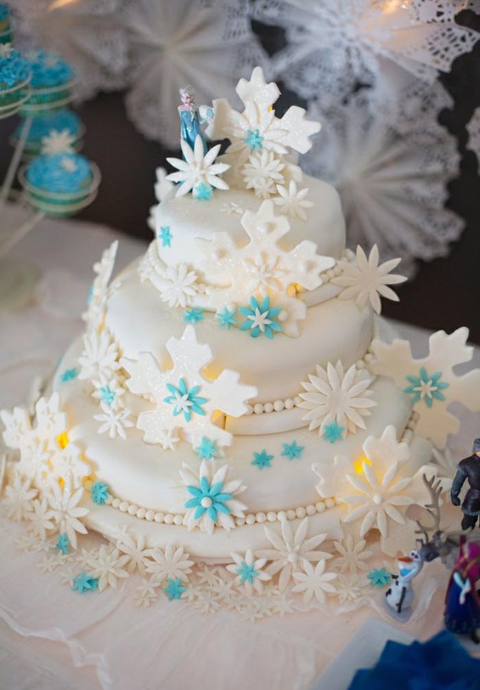 2-frozen-la-reine-des-neiges-gâteau-anniversaire-fille-image-de-gateau-beau-blanc