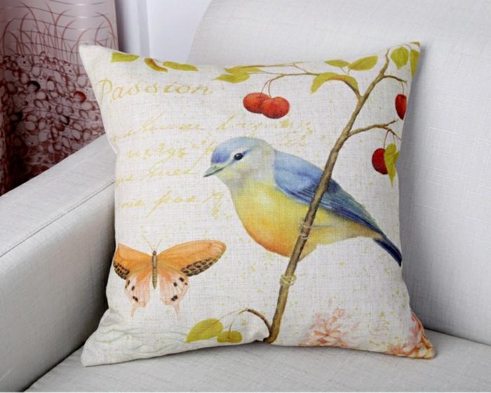2-housse-coussin-40x40-en-lin-coussins-colorés-et-canapé-gris-dans-le-salon-moderne
