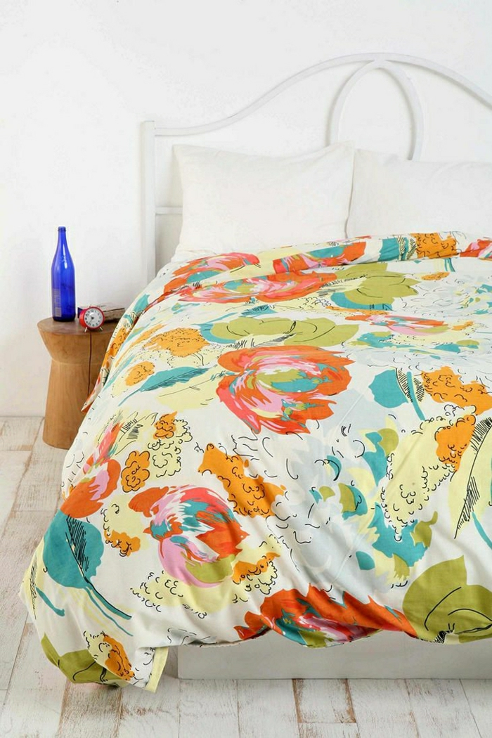 2-housse-de-couette-carrefour-coloré-dans-la-chambre-à-coucher-moderne