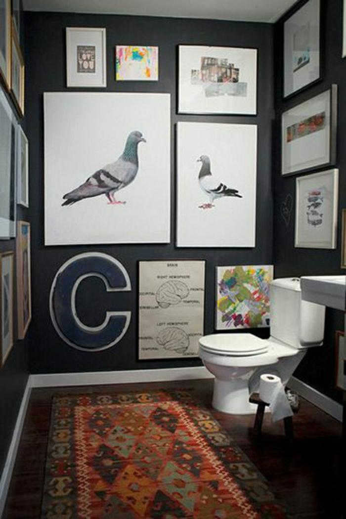 2-le-tapis-de-salle-de-bain-de-couleur-rouge-et-style-retro-chic